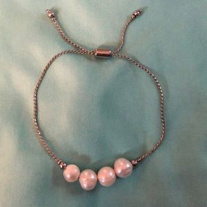 Silver and pearl adjustable bracelet